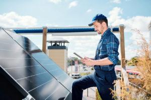 SAV-entretien-panneaux-solaires